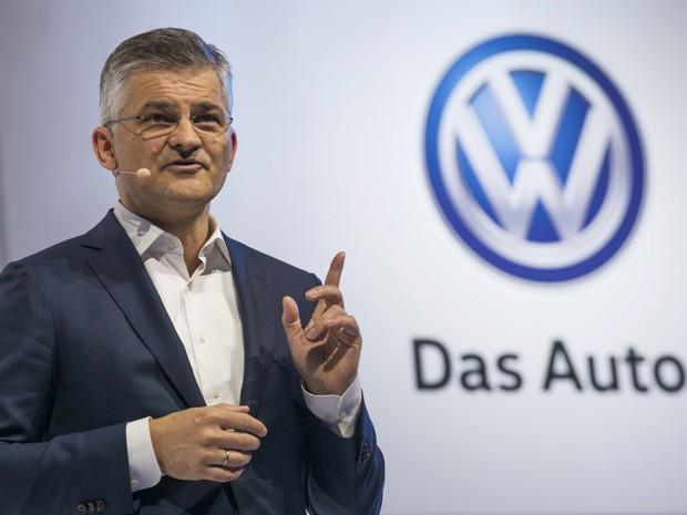 Michael Horn, presidente da Volkswagen nos EUA (Foto: Darren Ornitz/Reuters)