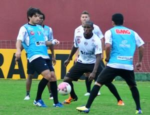 Tiago Real, meia do Joinville (Foto: Divulgação / JEC)