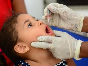 Vacinação contra poliomileite e sarampo encerra nesta sexta-feira. Meta é vacinar 95% do publico alvo. (Foto: Anne de Freitas/ G1 RR)