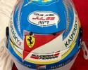 """""""Todos com Jules"""": pilotos estampam adesivo de apoio a Bianchi em cascos"""