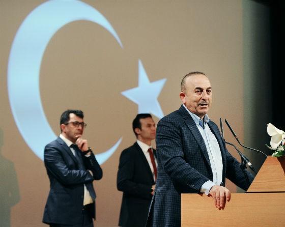 O ministro das Relações Exteriores da Turquia, Mevlut Cavusoglu (Foto: JEAN-CHRISTOPHE VERHAEGEN / AFP)