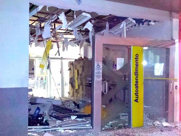 Agência do Banco do Brasil de Carnaúba dos Dantas ficou destruída (Foto: Anderson Dantas) (Foto: Anderson Dantas)