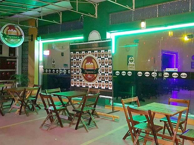 53620ad8000 Lagunas Bar possui dois ambientes e oferece música ao vivo (Foto   Divulgação)