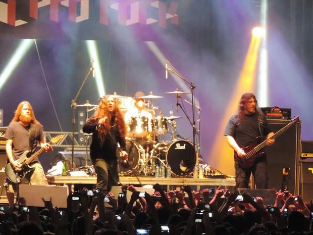 Banda Obituary, no Abril pro Rock (Foto: Katherine Coutinho / G1)