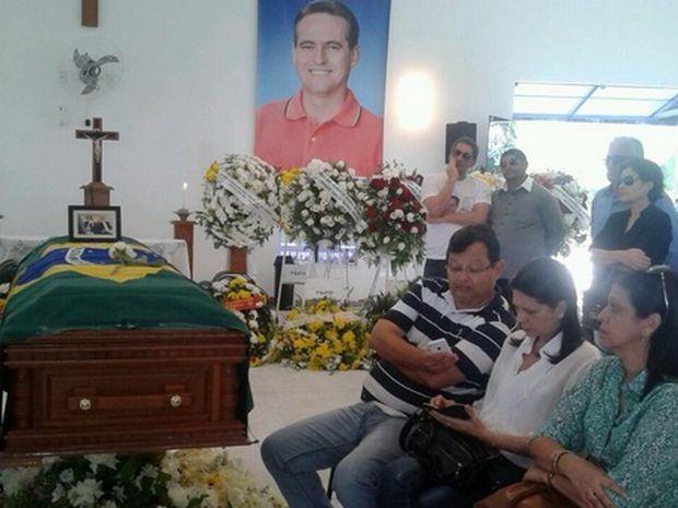 Corpo de Pedrinho é velado em Aracaju (Foto: Maristela Niz/TV Serigpe)