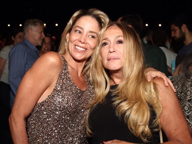 Danielle Winits e Susana Vieira em peça no Rio (Foto: Anderson Borde/ Ag. News)