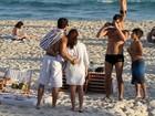 Alexandre Pato e Barbara Berlusconi vão à praia no Rio de Janeiro