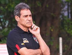 Carpegiani demitido do São Paulo Arena (Foto: Luiz Pires/VIPCOMM)