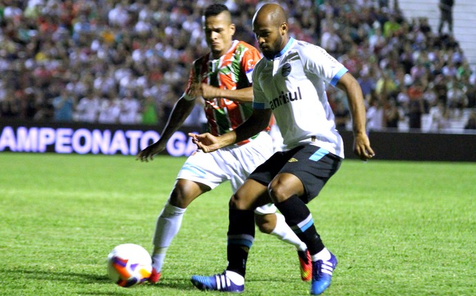 Fellipe Bastos, Grêmio X Passo Fundo (Foto: Luciano Leon / Estadão Contéudo)