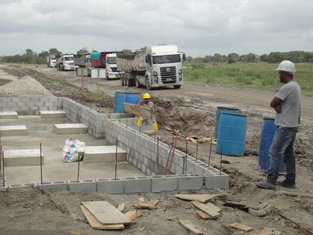 Balanças estão sendo instaladas para controlar os caminhões (Foto: Divulgação)