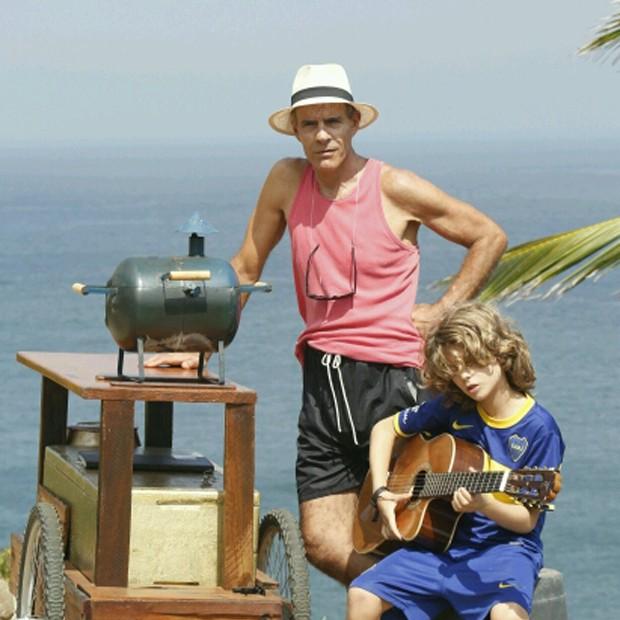 Mário Gomes e filho (Foto: Dilson Silva / AgNews)