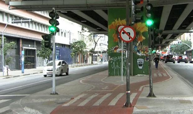 Ciclovia sob o Minhocão, na Rua Amaral Gurgel, em SP, em 04/08. Local foi inaugurado no domingo, 09/08. (Foto: Reprodução/SPTV)