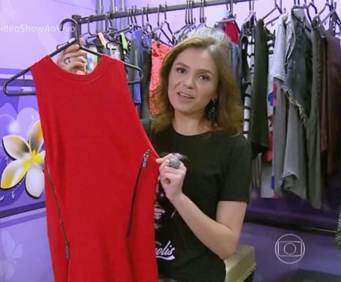 Apresentadora explica carinho especial por vestido vermelho (Foto: TV Globo)