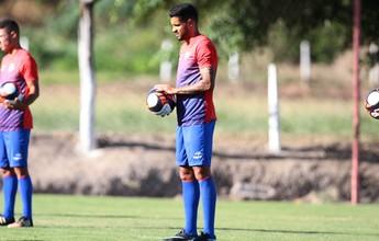 Giovanni volta a treinar com bola e fica à disposição de Milton Cruz no Náutico