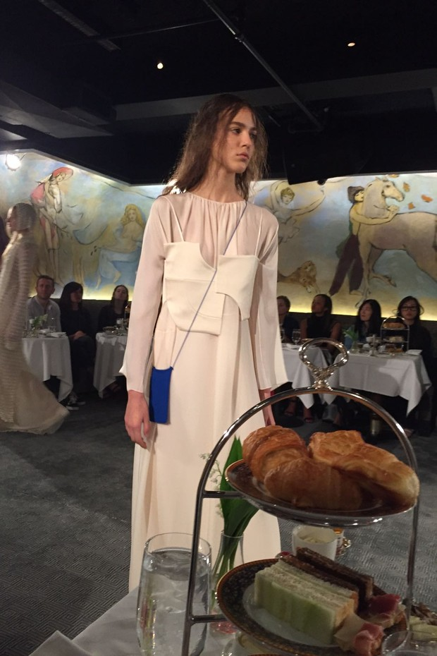SuzyNYFW: A Fresh Colour Palette At The Row (Foto: @suzymenkesvogue)