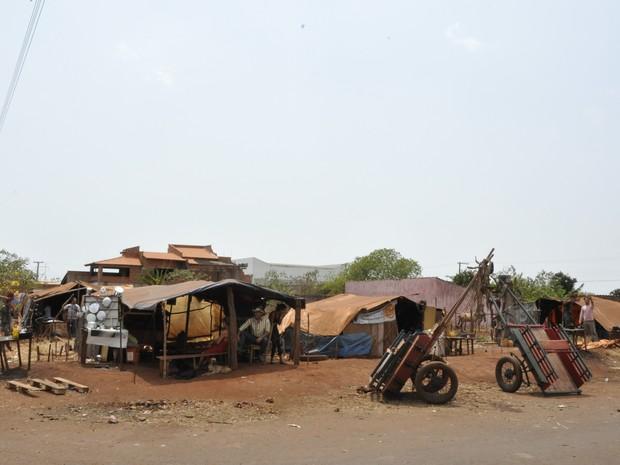 Acampamentos de ciganos ficam na Vila Santa Rita, em Itumbiara, Goiás  (Foto: Adriano Zago/G1)