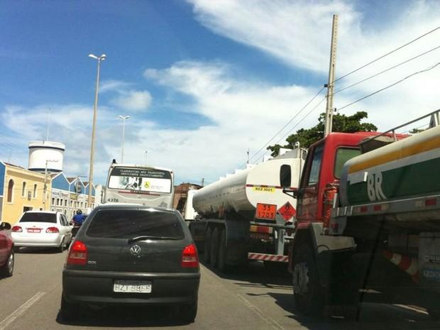 Cargueiros de usinas são impedidos de descarregar no Porto de Maceió (Foto: Cau Rodrigues/G1)