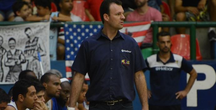 Danilo Padovani, técnico Mogi das Cruzes Basquete (Foto: Cairo Oliveira)