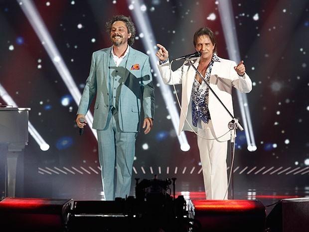 Roberto Carlos e Nero cantam juntos (Foto: Fábio Rocha/Gshow)