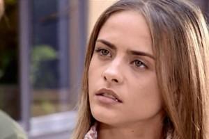 Júlia diz que tem algo pra falar com Pedro (Foto: reprodução/TV Globo)