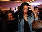Rihanna sai para jantar e causa tumulto em hotel na Zona Sul do Rio