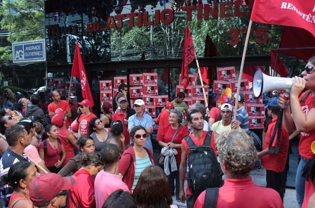 Sede da Andrade Gutierrez foi alvo de protesto (Foto: Luiz Cláudio Barbosa/Futura Press/Estadão Conteúdo)