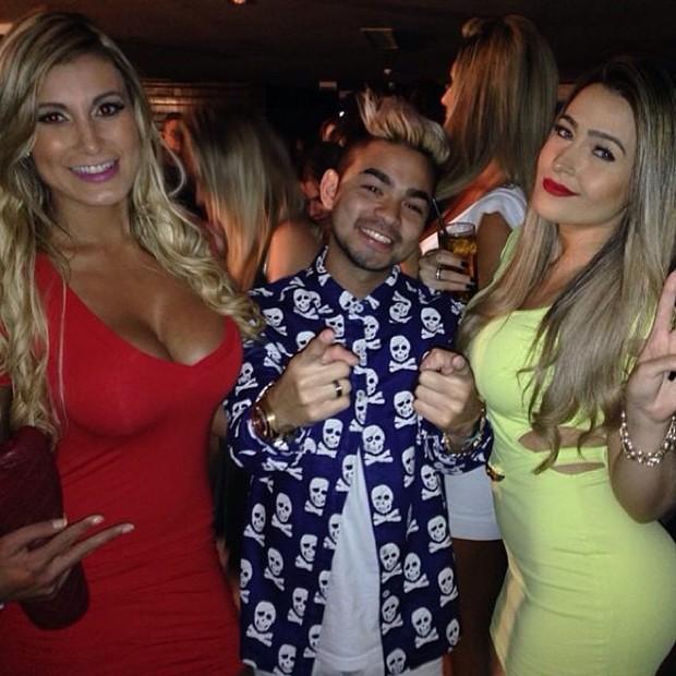 Andressa Urach, Yudi e Camila Braga em boate em São Paulo (Foto: Instagram/ Reprodução)