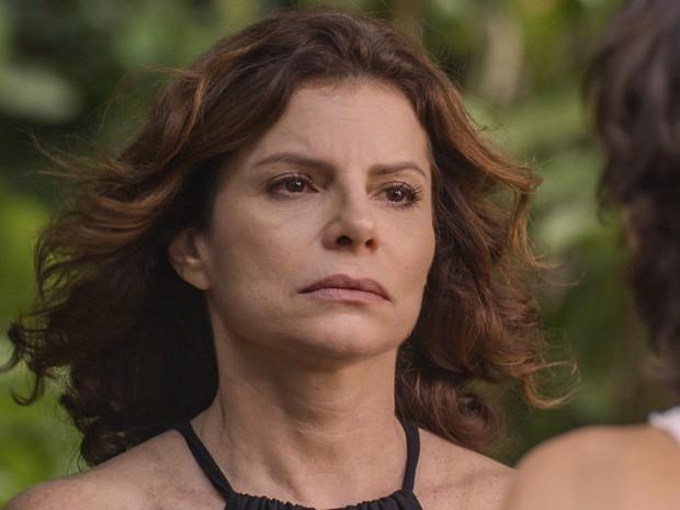 Lígia se arrepende de conversa que teve com Miguel (Foto: TV Globo)