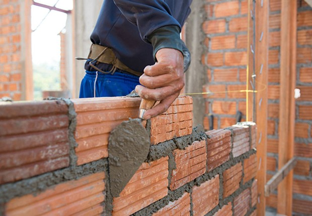 Resultado de imagem para FGTS impulsiona a venda de material de construção