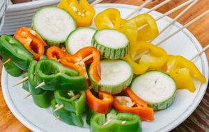 Espetinho de vegetais grelhados