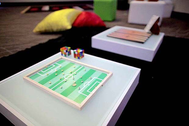 Lounge com joguinhos para agitar a dinâmica  (Foto: Gshow)