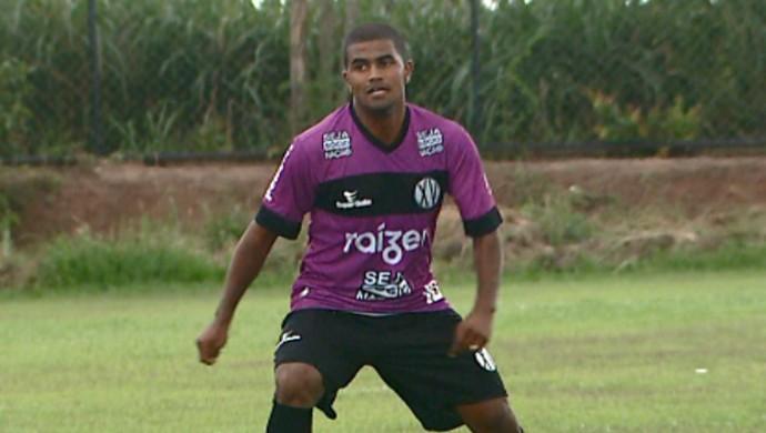 Henrique Santos meia XV de Piracicaba (Foto: Edvaldo de Souza / EPTV)