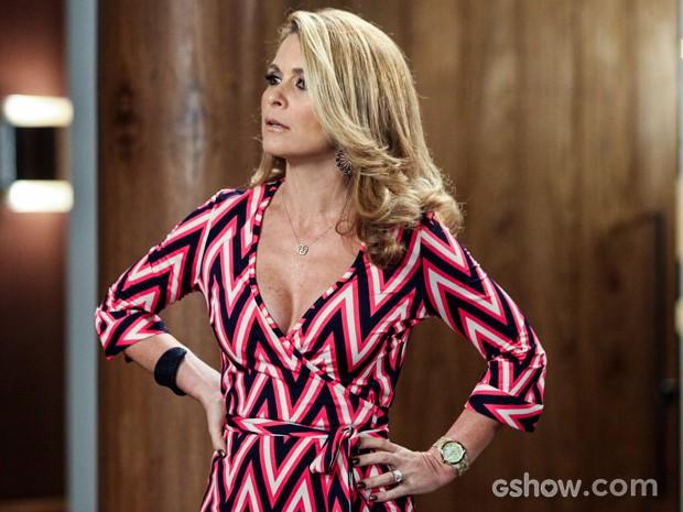 Pamela fala que Jonas precisa confiar nela (Foto: Camila Camacho/TV Globo)