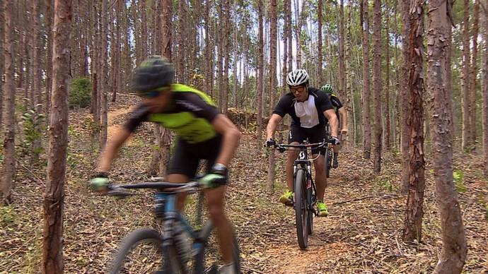 Repórter Brucce Cabral 'Se Joga' no Moutain Bike (Foto: TV Sergipe)