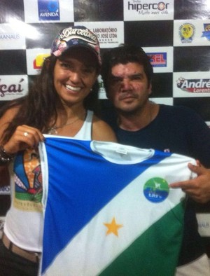 Lana Miranda e Neto, da Escolinha de futevôlei (Foto: imagem/Divulgação)