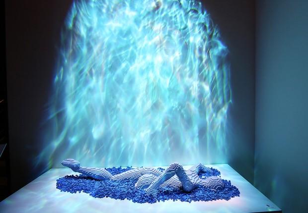 Escultura 'O nadador', uma das atrações da exposição 'The Art of the Brick' (Foto: Getty Images)