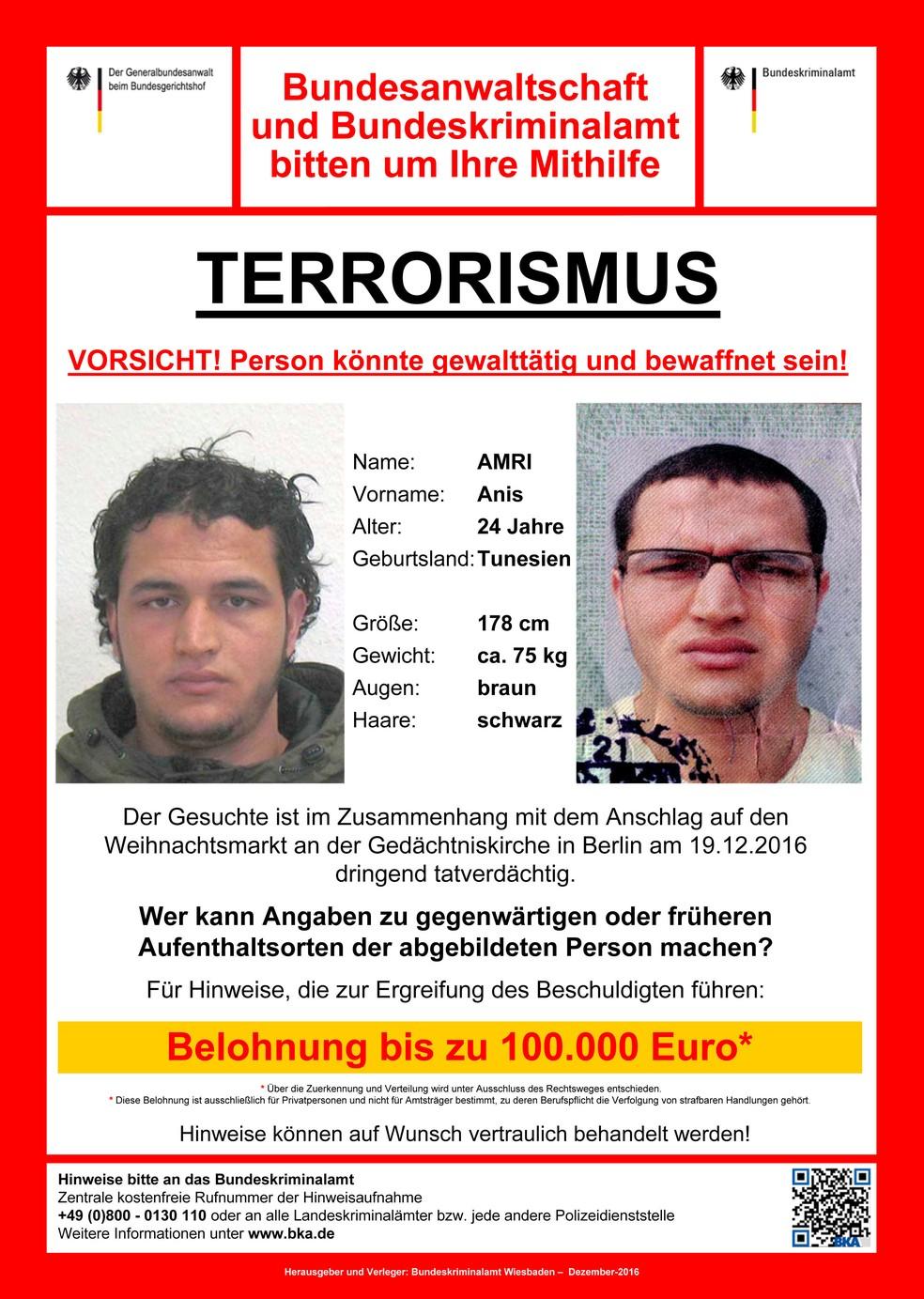 Alemanha divulga panfleto com recompensa para quem tiver informações sobre tunisiano.  (Foto: Reuters)
