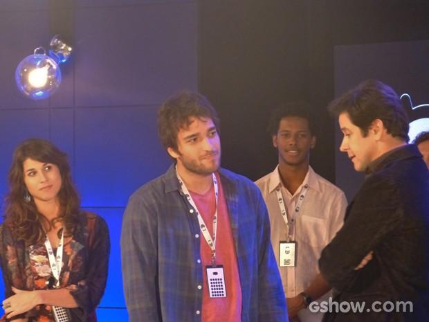 Jonas rejeita ideia de Davi e Manu (Foto: Geração Brasil / TV Globo)