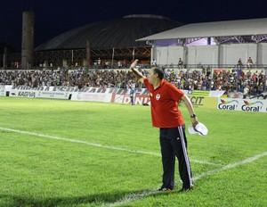 Treinador Evair, do River-PI (Foto: Emanuele Madeira/GLOBOESPORTE.COM)