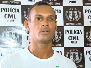 Rivaldo da Silva Sampaio, 35 anos, foi preso por polícias da Delegacia de Homicídios em Teresina (Foto: Reprodução / TV Clube)
