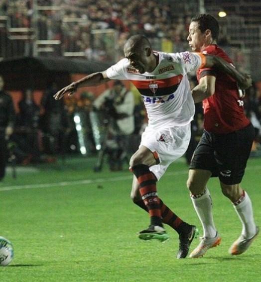 gigante (Carlos Insaurriaga / Grêmio Esportivo Brasil)