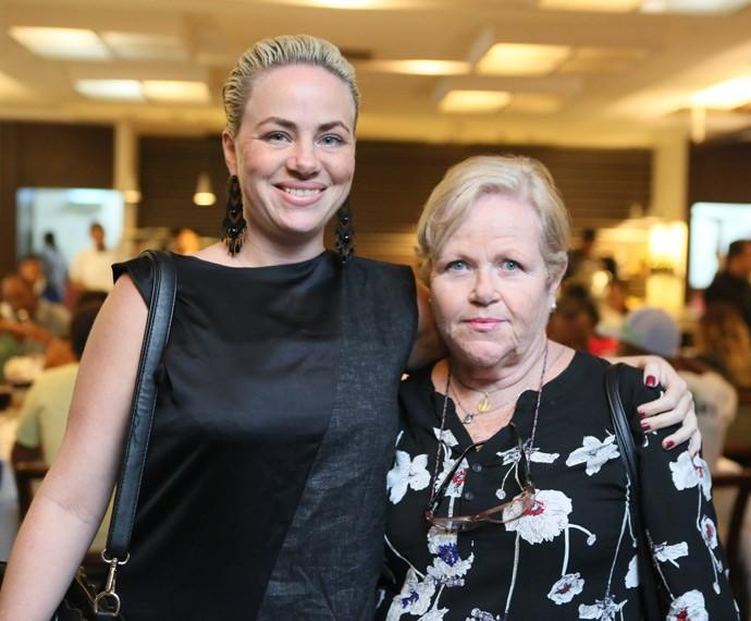 Karine Telles posa com a mãe, Neli Telles (Foto: Isabella Pinheiro/Gshow)