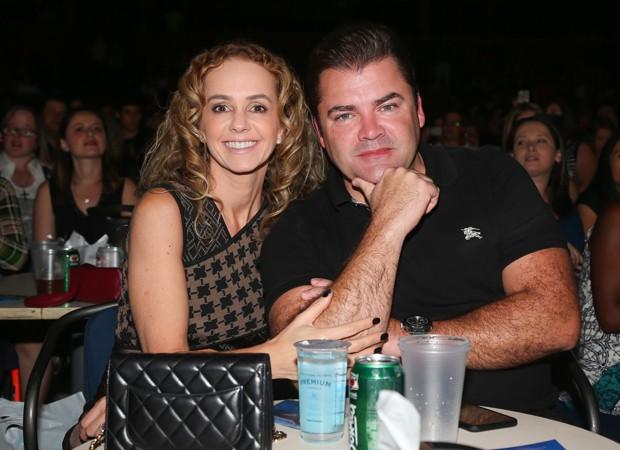 O casal Deborah e Marcos Quintela (Foto: Manoela Scarp; Rio News)