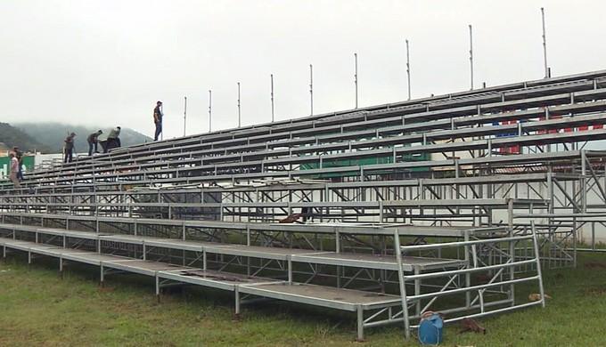 Arquibancadas do Ronaldão devem ficar prontas nesta quarta-feira (1º) (Foto: Reprodução EPTV)