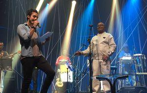 Tiago Iorc cai no samba com Dudu Nobre no ensaio do Música Boa Ao Vivo