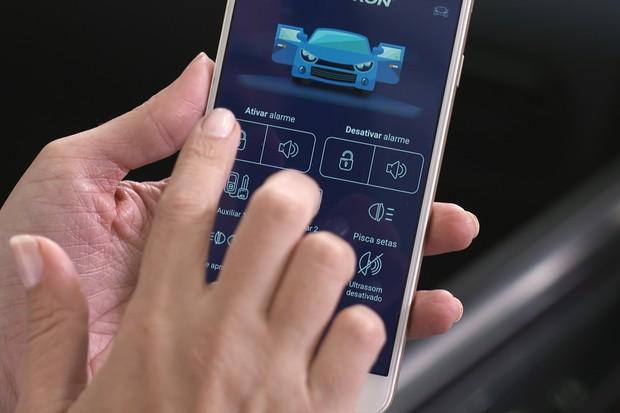 Aplicativos para economizar combustível e soluções antifurto no programa Auto Esporte (Foto: Autoesporte)