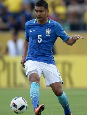 Casemiro Brasil x Equador (Foto: Pedro Martins/MoWA Press)