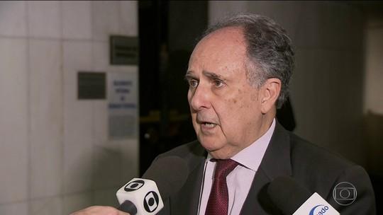 Policias federais e políticos criticam troca do ministro da Justiça