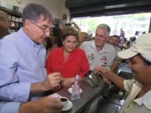 Dilma, Pimentel e Josué no Café Nice, no Centro de BH (Foto: Reprodução / TV Globo)