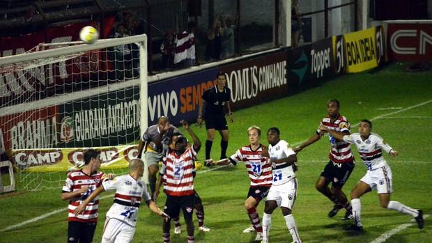 Botafogo-SP vence Linense por 3 a 1 e respira no Paulistão (Foto: Rafael Martinez / Assessoria BFC)